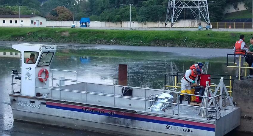 Saúde: Pulverização pelo Rio Pinheiros