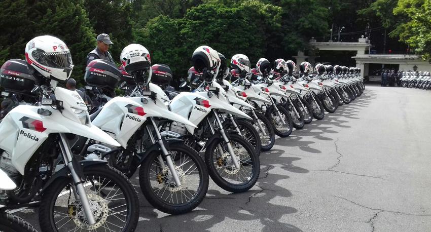 Polícia Militar recebe novas motocicletas e viaturas